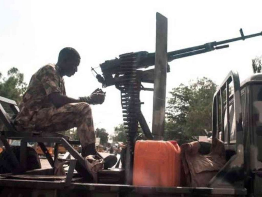 Nigeria violence: Female suicide bombers kill 27