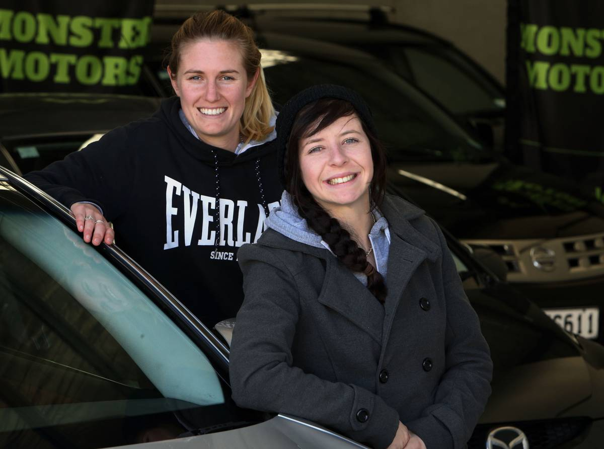 Two women in their early 20s open used car sales business in Northland