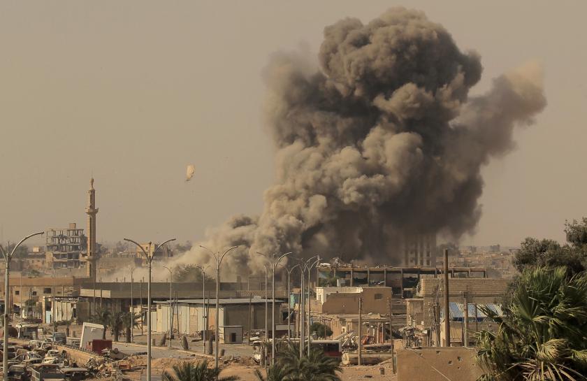 Arab fighters struggle to assert role in Raqqa assault https://t.co/nKWu46EySf https://t.co/Ks5lFDurRw