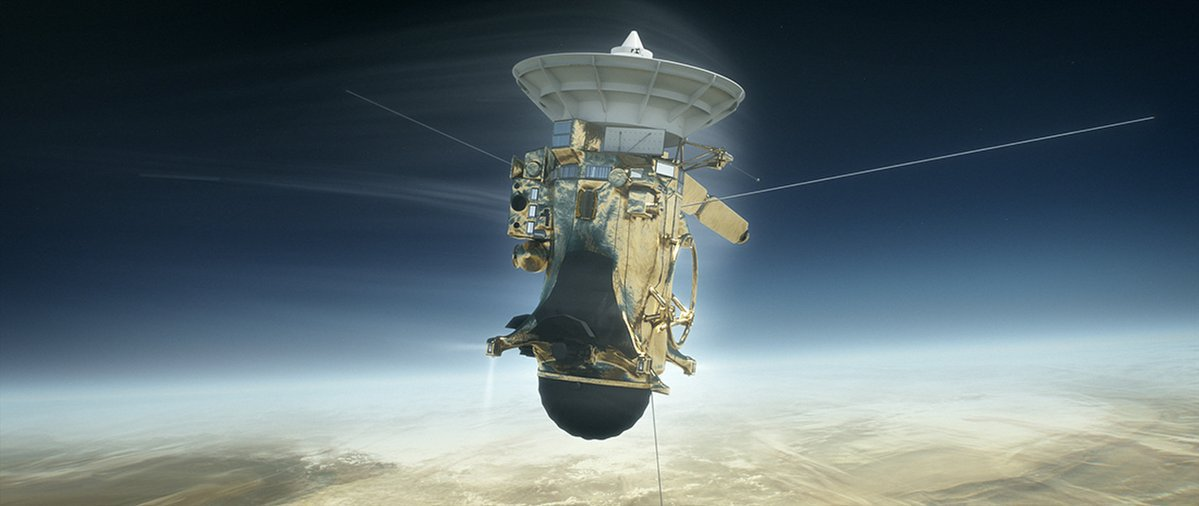 Cassini Probes Last Saturn Mysteries 1 Month from Demise