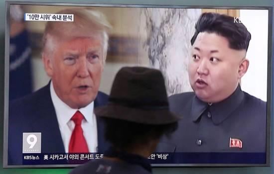 Donald Trump praises North Korea's 'wise' decision on holding off on Guam missile threat