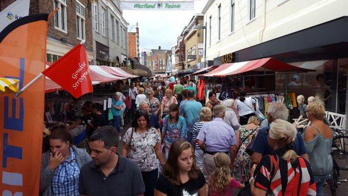 Feestweek Naaldwijk. https://t.co/FlJZ7BLkdn