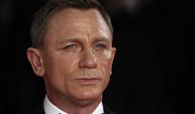 Daniel Craig confirms James Bond return