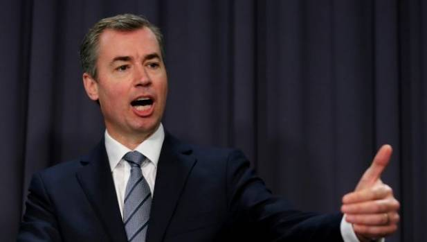 Australian Justice Minister Michael Keenan a possible dual-citizen due to British laws