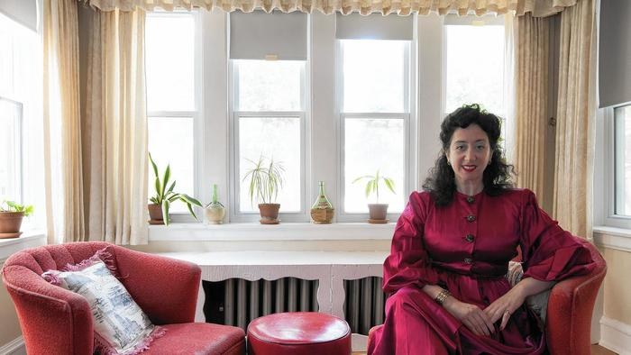 Forget modern: Some Chicago renters seek vintage apartments stuck in the past