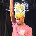 Dash Retains Groovy Crown