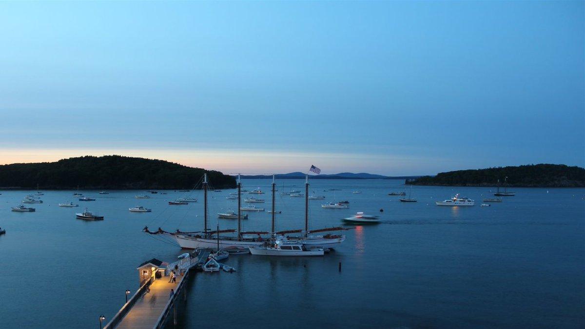 RT @arielle_WX: WOWZA #BarHarbor!   @WABI_TV5 #MEwx #Maine #sunset https://t.co/VTCmPsQsxb