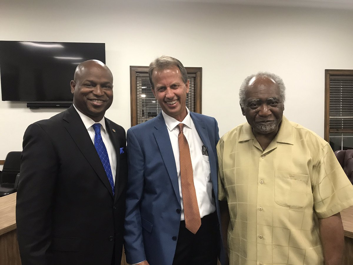 test Twitter Media - Made it home in time to enjoy another successful Town Hall Meeting with @RepDannyDavis and the Villages of Hillside and Berkeley. https://t.co/t8wMTqCijQ
