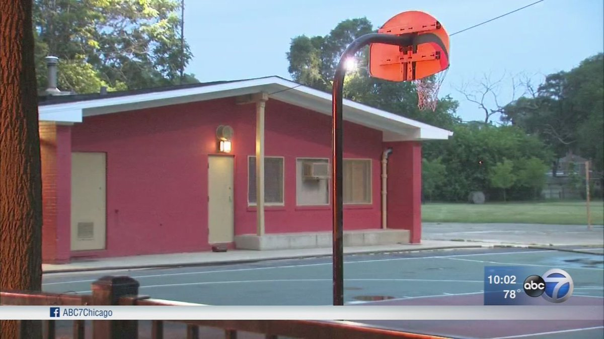 Boy, 16, fatally shot in Jeffery Manor identified