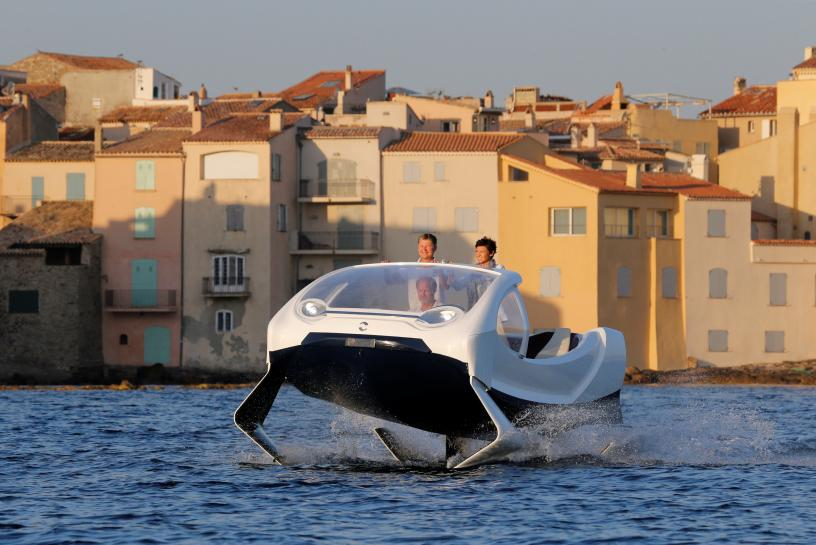 Flying water taxis highlight French startup frustrations https://t.co/M2bk5zvaoG https://t.co/YeRY9tDpGJ