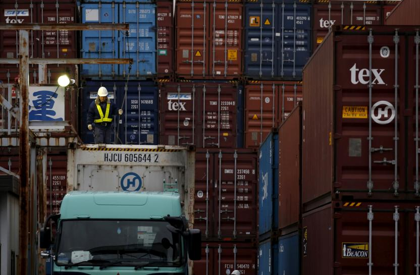 Japan's exports rise in July, underpin strengthening economy