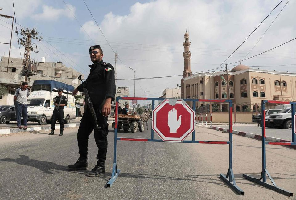 Hamas militant killed by suicide bomber in Gaza