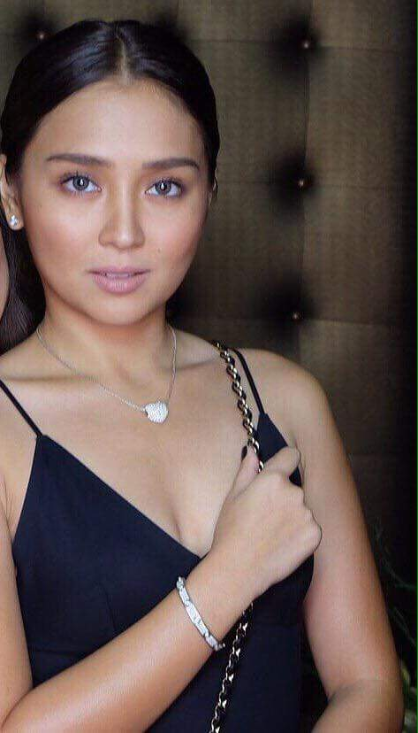 RT @KNSwaggiesILILO: The heart necklace is back. 💙😍😱 District8 Grand Opening |  #LaLunaSangreSheIsBack https://t.co/yc0bdO2f4x