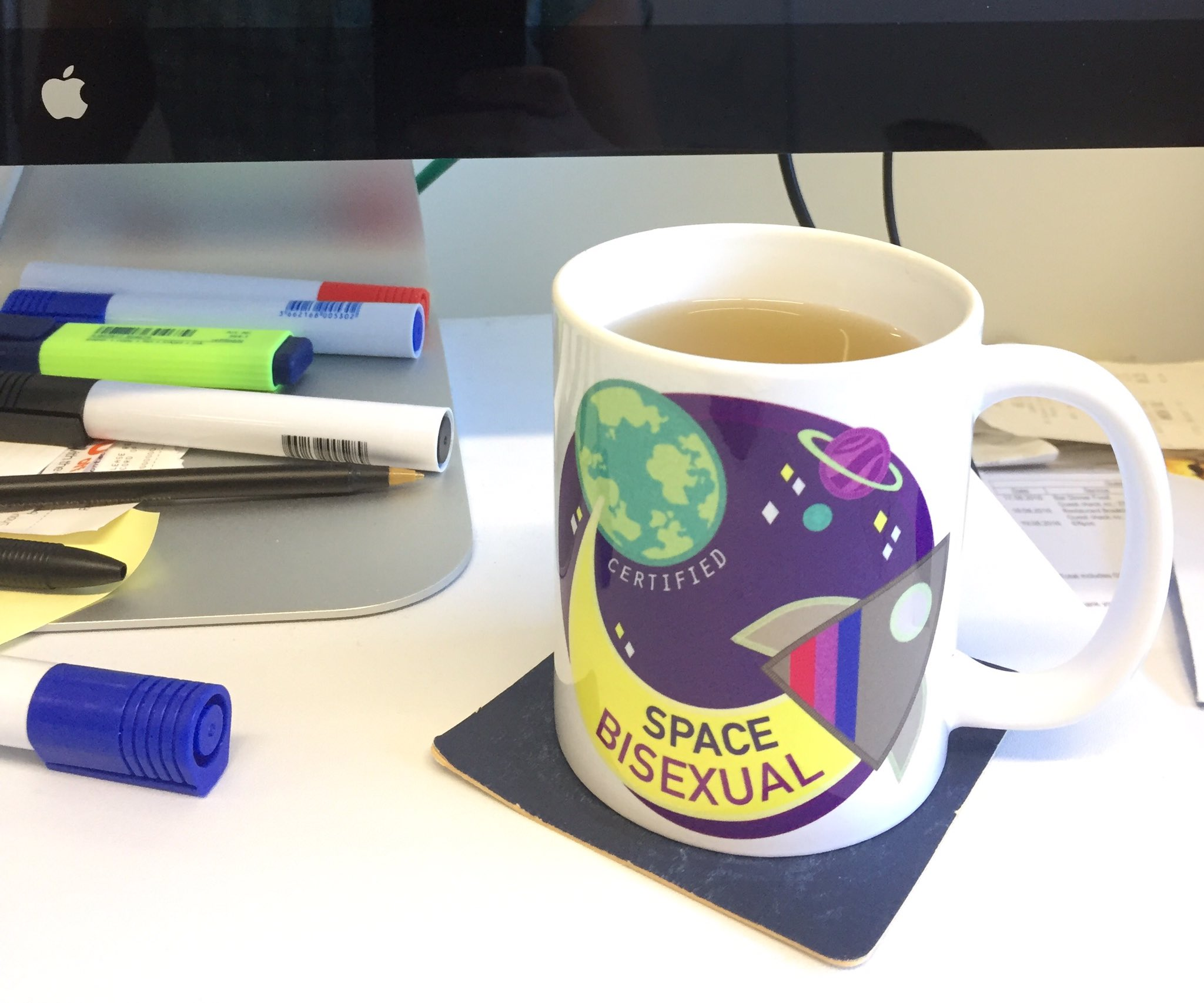 I have a new favorite office mug �� #spacebisexual https://t.co/DDVItM3H14