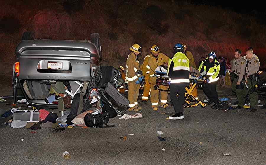 1 person freed from wreckage in Santa Clarita crash