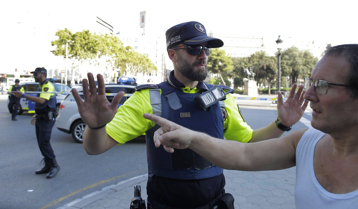 Barcelona van crash: Two feared dead in terror attack after van ploughs into crowd of pedestrians in Las Ramblas