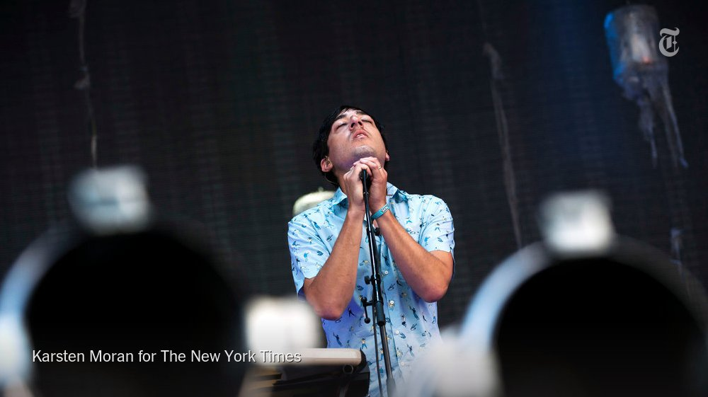 Grizzly Bear staves off despair with beauty and ingenuity on 'Painted Ruins' https://t.co/uiJ2PhnHtF https://t.co/WVG5JMakBy
