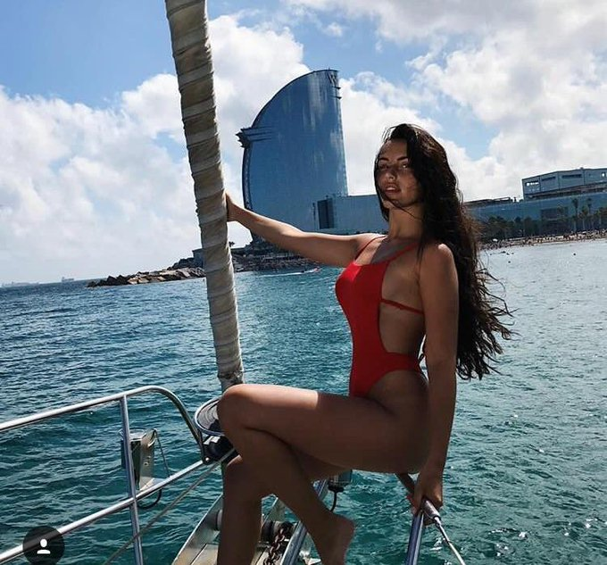 On a boat via bikinis #fitspo #fitspiration #rt --> For the complete curation: https://t.co/2WLCVuzmG1 https://t.co/Sp03p6OavX