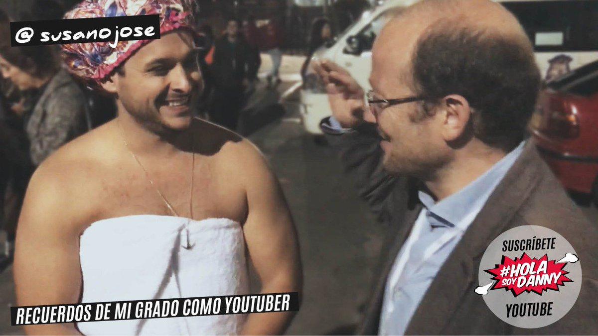 RT @DanielSamperO: #QuisieraGraduarmeDe YOUTUBER, miren mi video: https://t.co/eVhPFSiz4T https://t.co/dWsQIyylAA