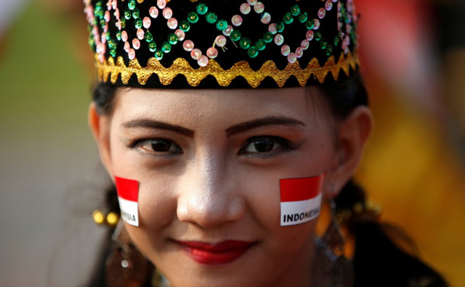 Single, 'jomblo' Indonesians are happier than those who are married