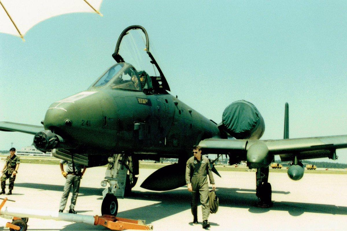 古いアルバム整理②⑤86年小松基地航空祭❶A-10サンダーボルトA-4 スカイホーク(初見かな)共にエリア88に出てきた