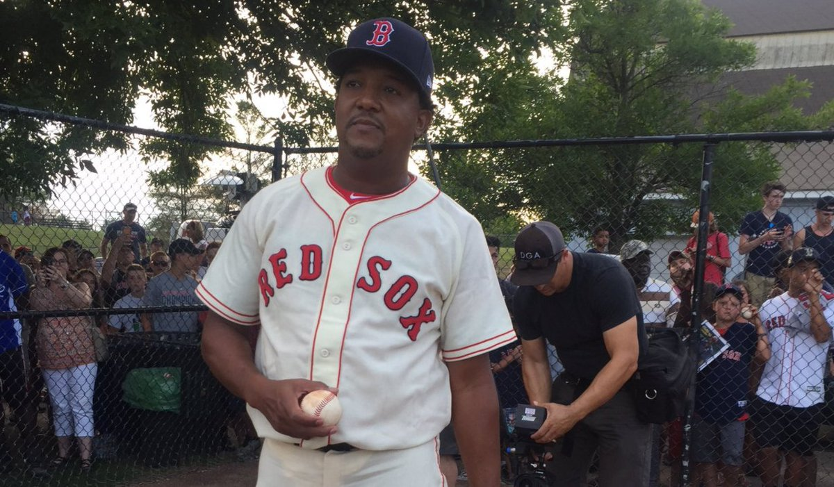 Pedro Martinez pitched two scoreless innings at 'Oldtime Baseball' game