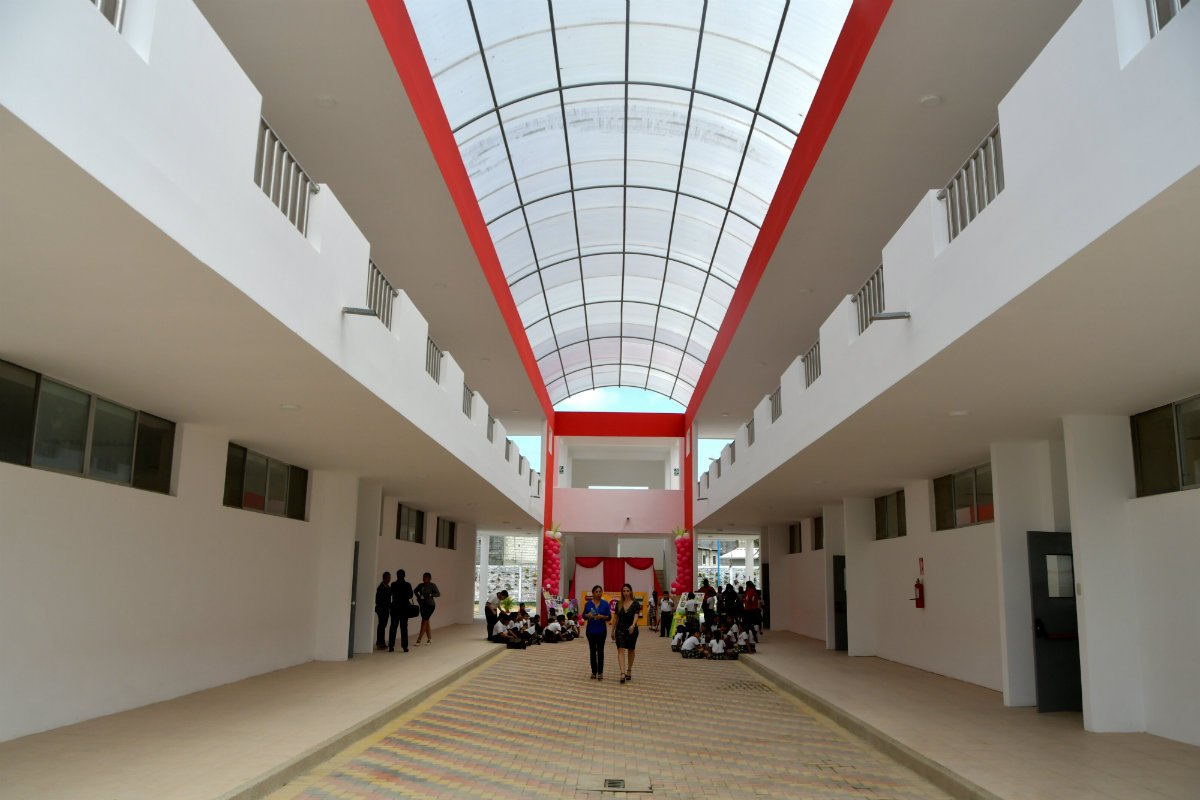 Reabren en Guayaquil plantel Provincia del Azuay e instan a proteger más a chicos