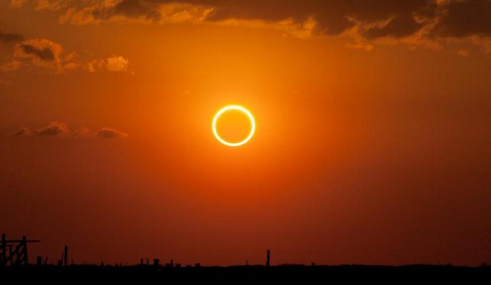 test Twitter Media - There will be a time when total solar eclipses like the one on August 21st won't happen anymore https://t.co/jeb4lvL6yT https://t.co/YfrqPLeb1e