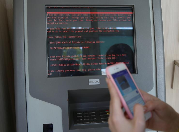 Ukraine central bank warns of new cyber-attack risk https://t.co/BubFZFag9f https://t.co/SgpoF51rb5