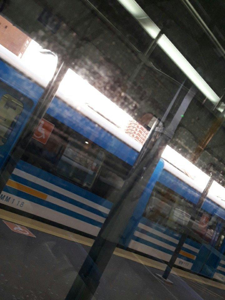 @TrenTigre esperando para salir rumbo a #Retiro servicio de 7:42 + 1 min #BuenViernes #TrenNautas https://t.co/8FZdD0VKLQ