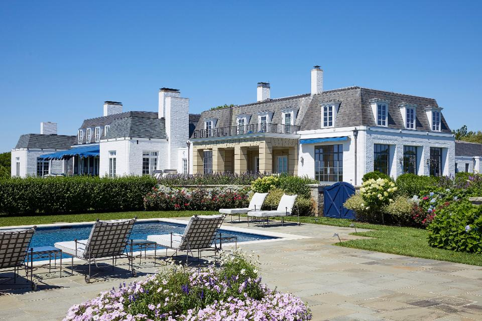 test Twitter Media - Former Ford family estate is set to hit the market at an eye-popping and record-setting $175 million https://t.co/cIkvuN4FjI https://t.co/m5zmI2shsP