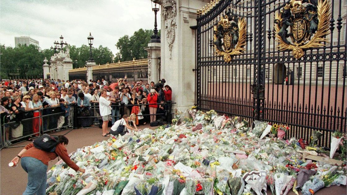 Looking back at the funeral and mourning of Princess Diana, 20 years later