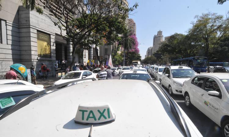 Regulamentação do Uber e Cabify em BH depende da análise de decisão judicial