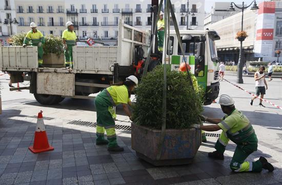 Madrid instala maceteros en torno a la Puerta del Sol para prevenir atentados