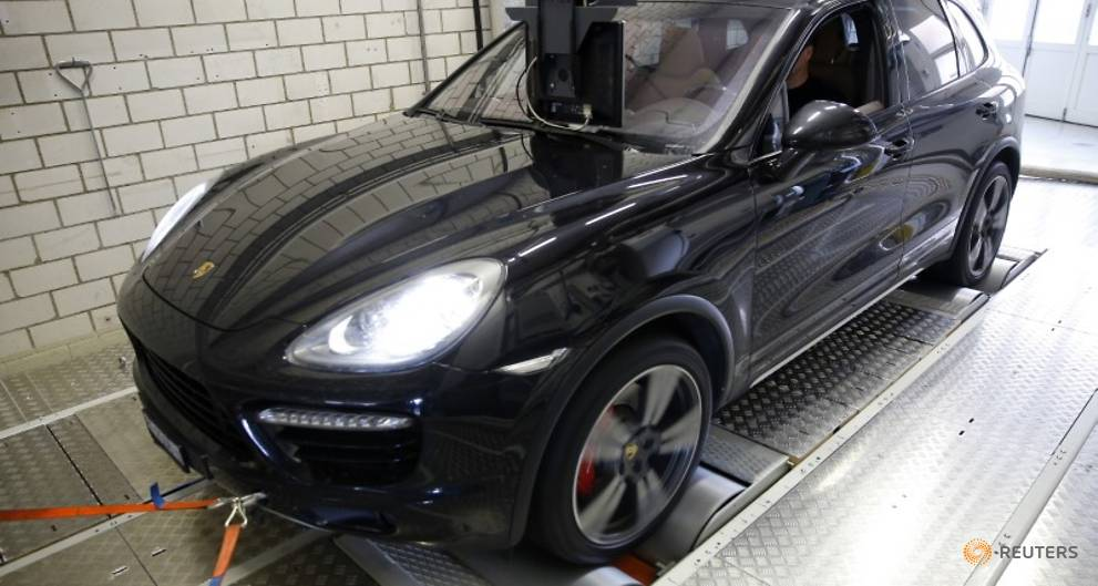 Swiss road agency bans new Porsche Cayenne registrations