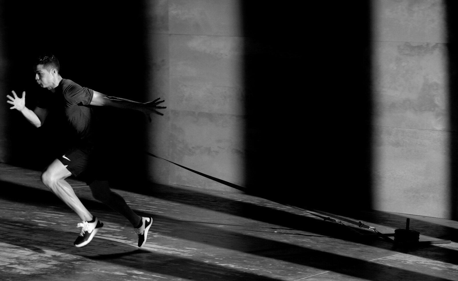 My secret is dedication. �� @CR7CrunchFitnes #LiveLifeFit #Fitness https://t.co/NFqlXTe3O2