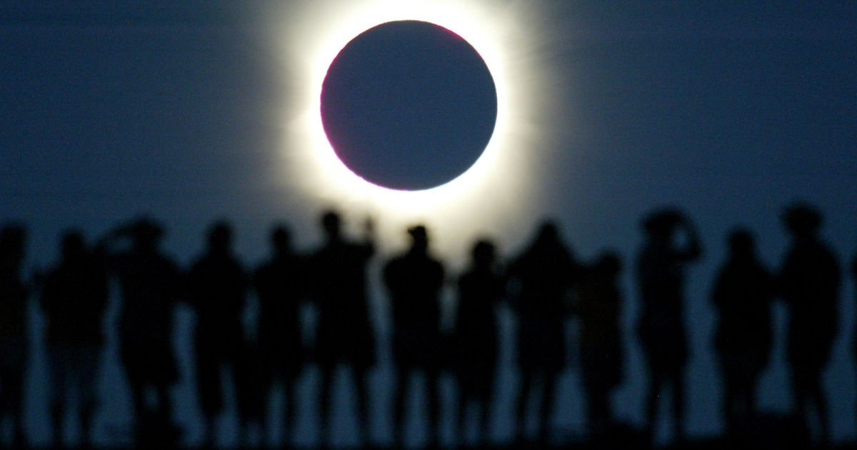 test Twitter Media - How to watch the eclipse, regardless of where you live https://t.co/vHYBr4Eq64 https://t.co/bIYZUQAG3y