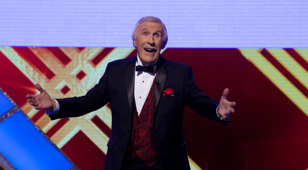 'He loved the crowd and they loved him' - tributes flood in for Sir Bruce Forsyth   https://t.co/EVgd3Ls1Vw https://t.co/TSKVjupnhl