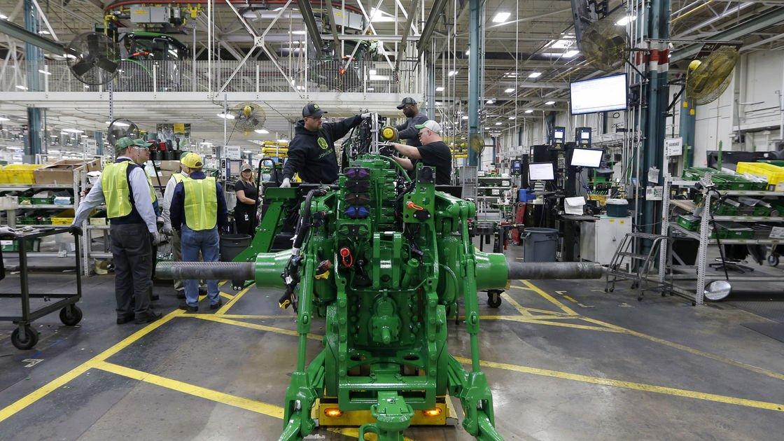 Deere earnings up 31 percent; Waterloo callbacks continue