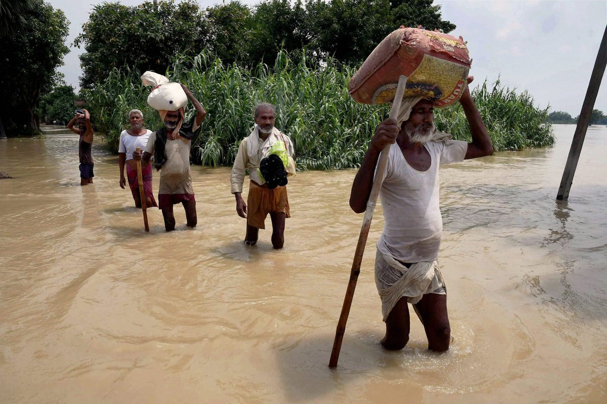 Flood fury Toll climbs to 153 in Bihar; Army called in for rescue operations in UP