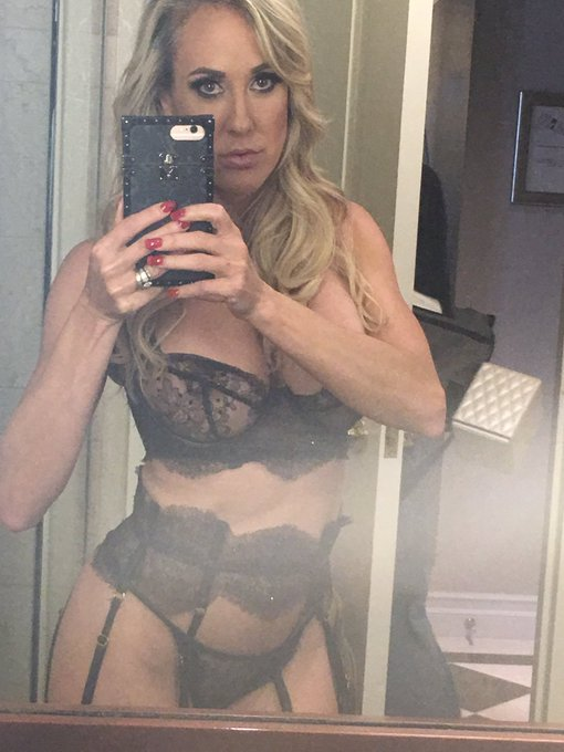 https://t.co/EQMuTrzdnf whose cumming to play with me? 10:30 pm est #lovetroopers #live @CamSodaLive