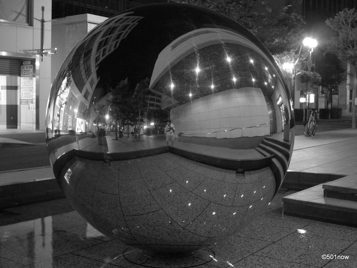 『夜の旧居留地 #3』#神戸 #旧居留地 #写真撮ってる人と繋がりたい#写真好きな人と繋がりたい#ファインダー越しの私の