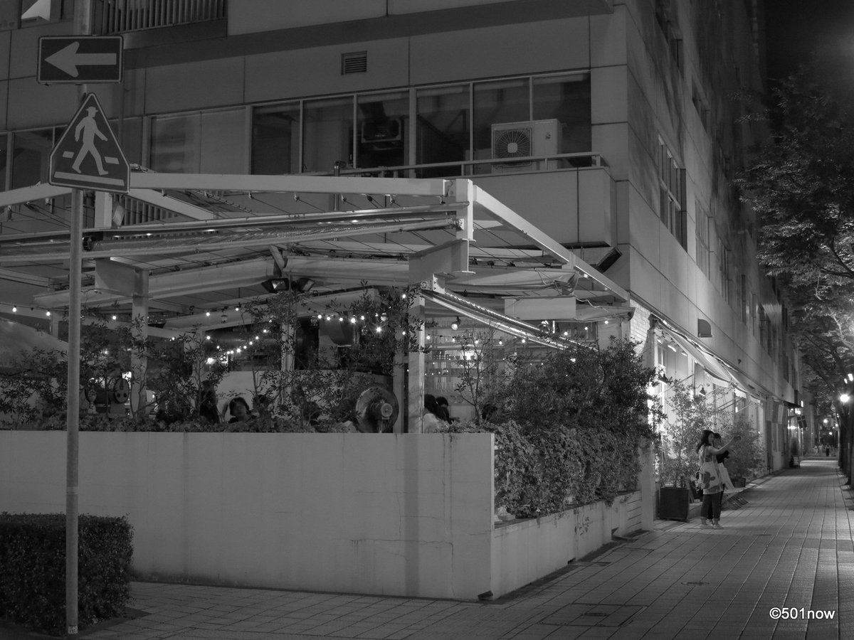 『夜の旧居留地 #4』#神戸 #旧居留地 #写真撮ってる人と繋がりたい#写真好きな人と繋がりたい#ファインダー越しの私の