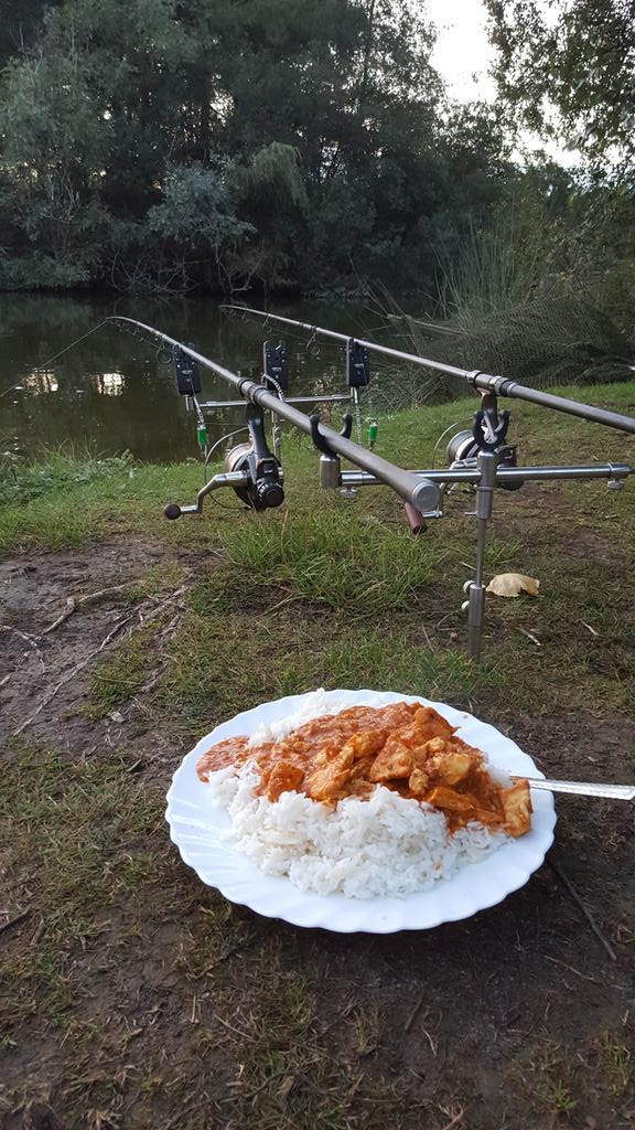 You can't <b>Beat</b> a good curry when your out on the bank #carpfishing  #fishingfood https://t.co