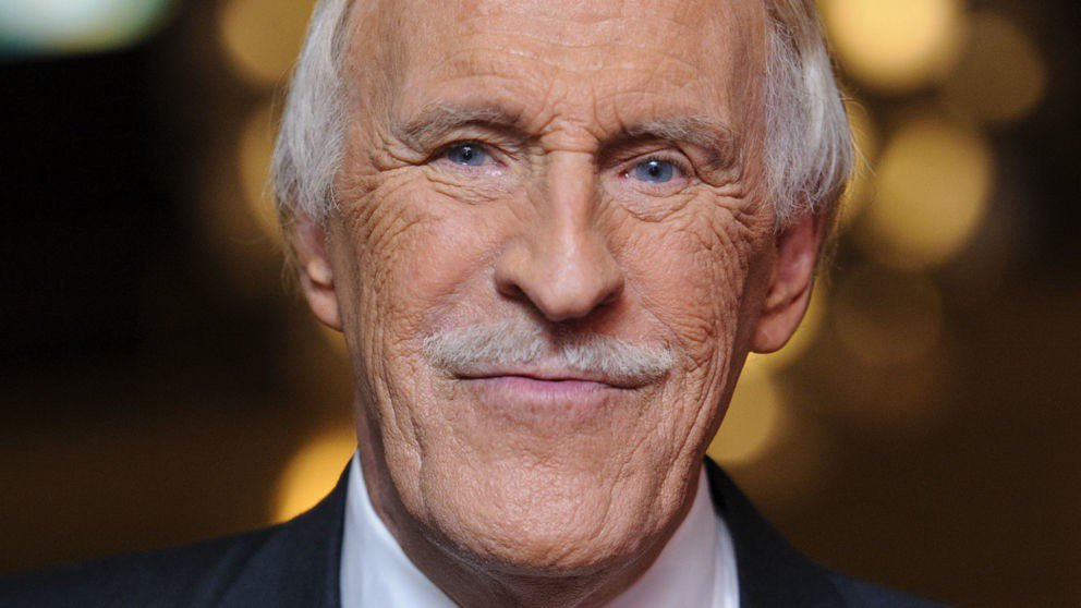 RIP - Sir Bruce Forsyth: Television legend dies aged 89 https://t.co/vkYgmUluIg https://t.co/3LCfgPYUTM