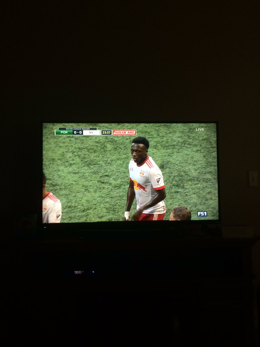 I get to my parents house and my dad has the #PORvNY match on. #imsoproud #SoccerFandomIsContagious https://t.co/PR50o8CQPm