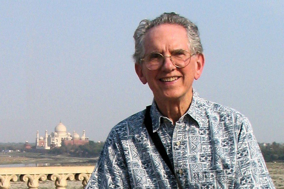 Donald E. Smith, 89, Penn professor who loved India