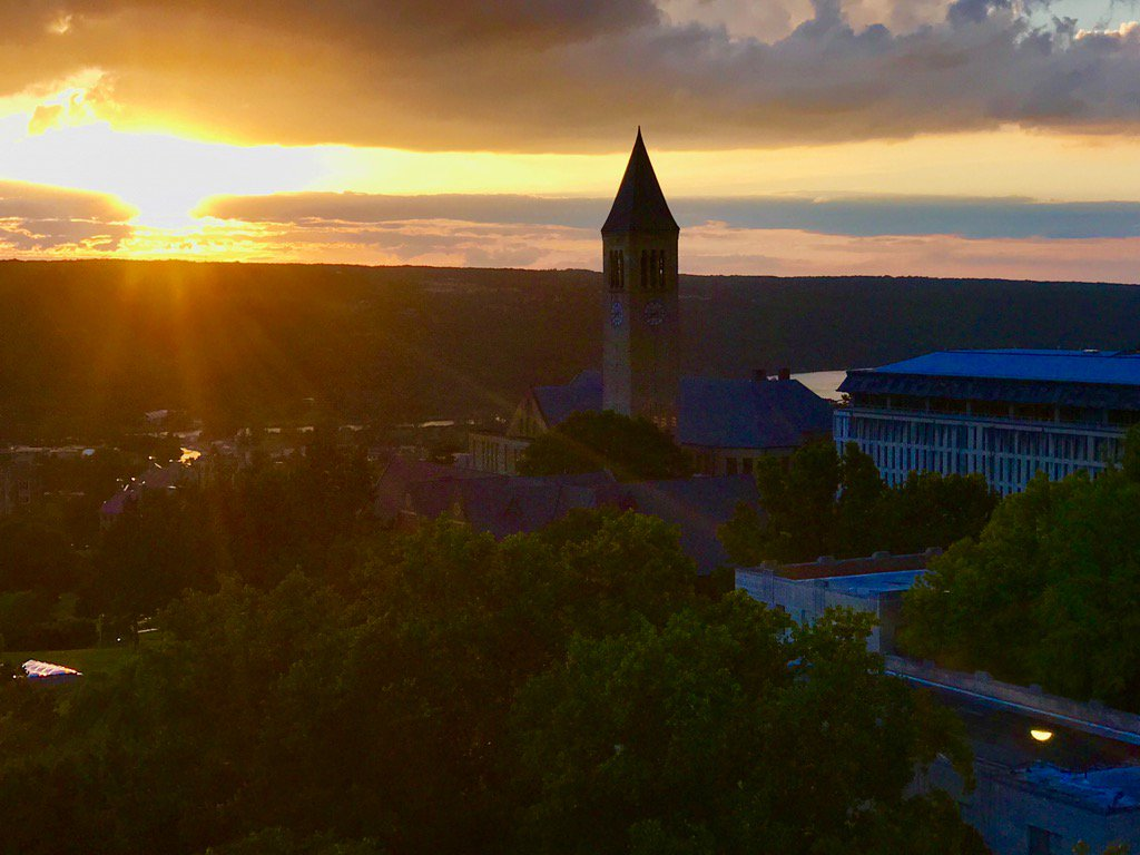 RT @DavePriceTV: A beautiful sight on a Friday evening. #CornellWelcome #ilr https://t.co/BNHw9VFIn1