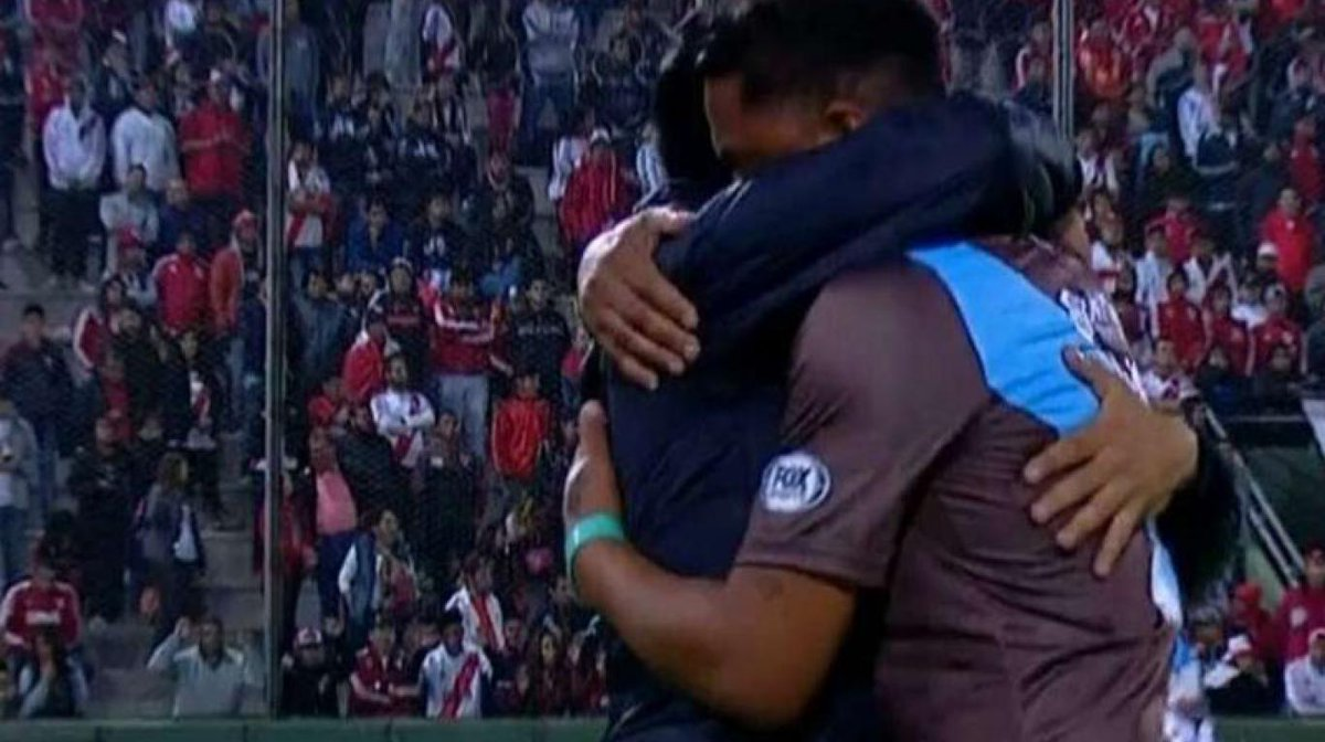 RT @TodaPasion: El sueño del pibe: ¡Wilson Severino jugará en River! https://t.co/3CwEabdGkv https://t.co/ecHFu9reP4