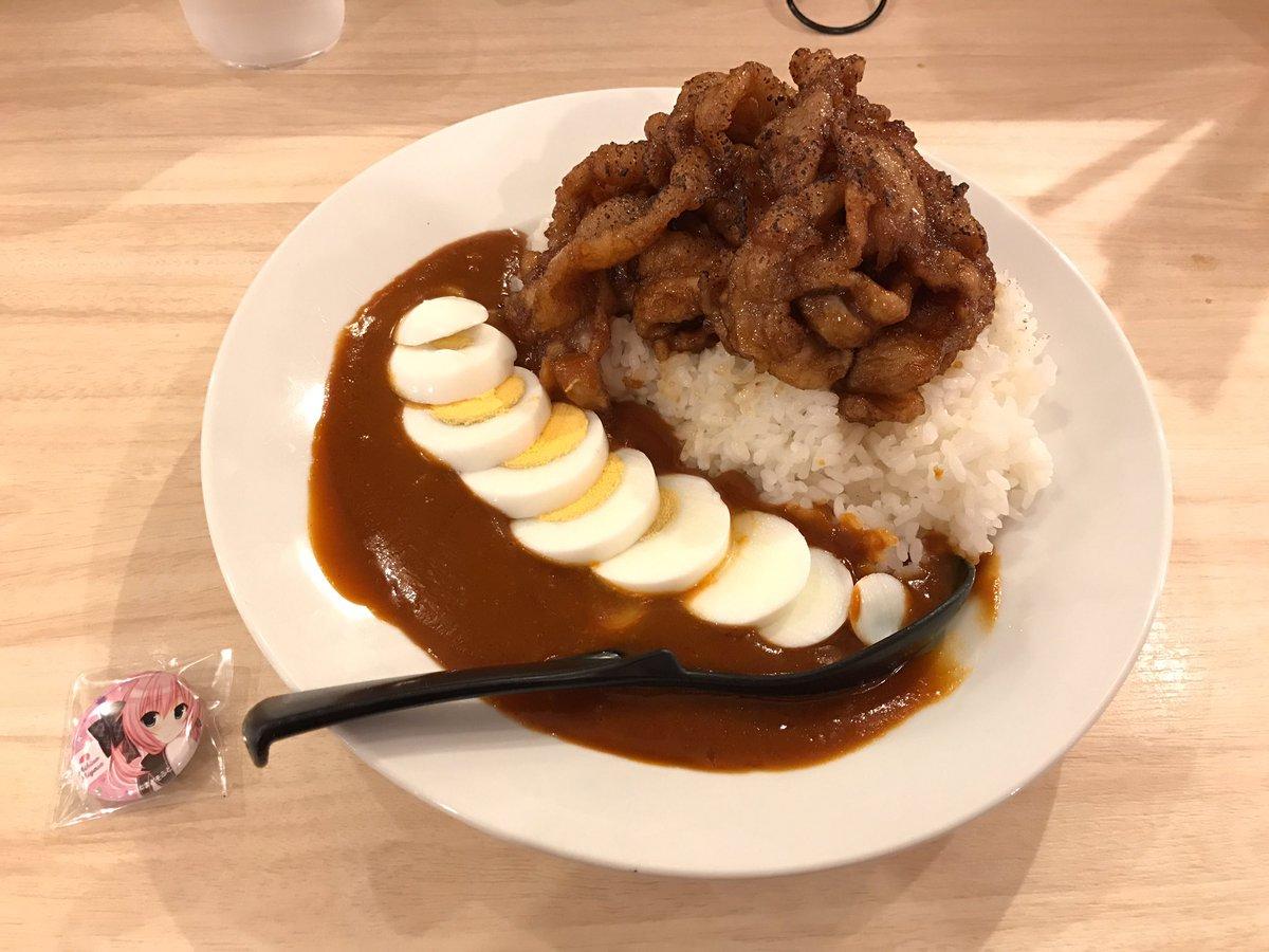肉汁麺ススムさんで「宮瀬未尋の肉汁豚白湯ハヤシライス」を食べてきました。コラボメニュー1食目で未尋ちゃんのバッジゲット!